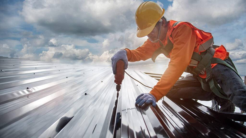 Installing Roofing on Commercial Properties
